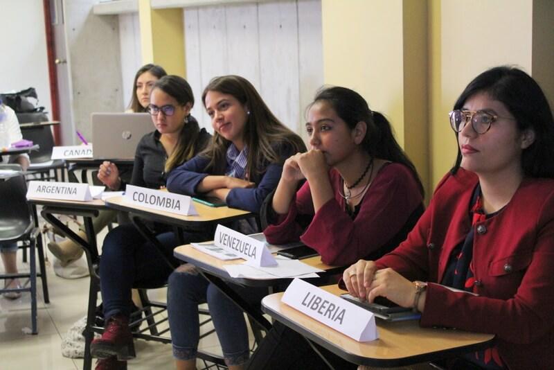 Estudiantes se prepararon desde noviembre para participar en el evento.