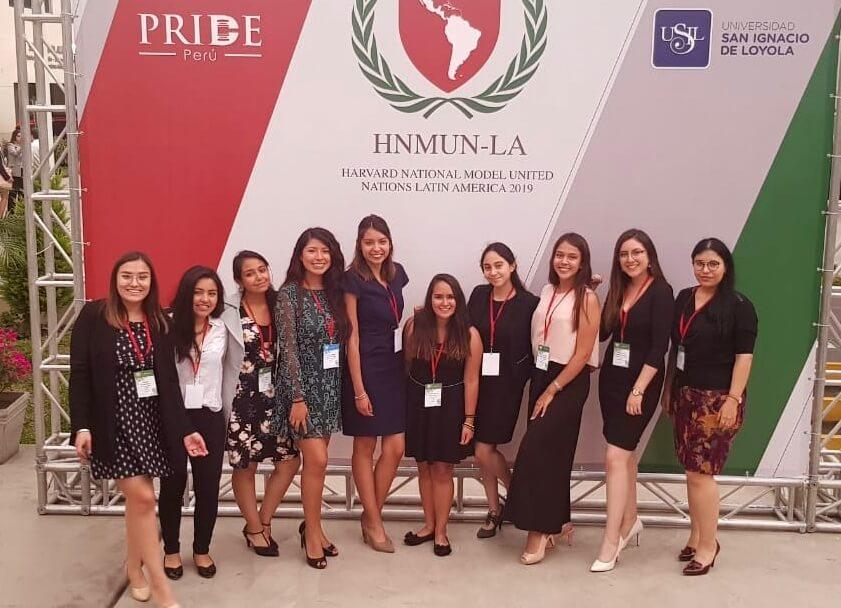 Parte de la Delegación de la UCSP que participó en el HMUNM-LA.