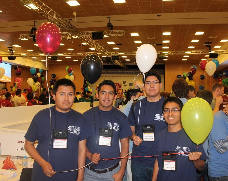 Este es el equipo de la UCSP que, en 2013 y 2015, clasificaron al mundial de ICPC -ACM.
