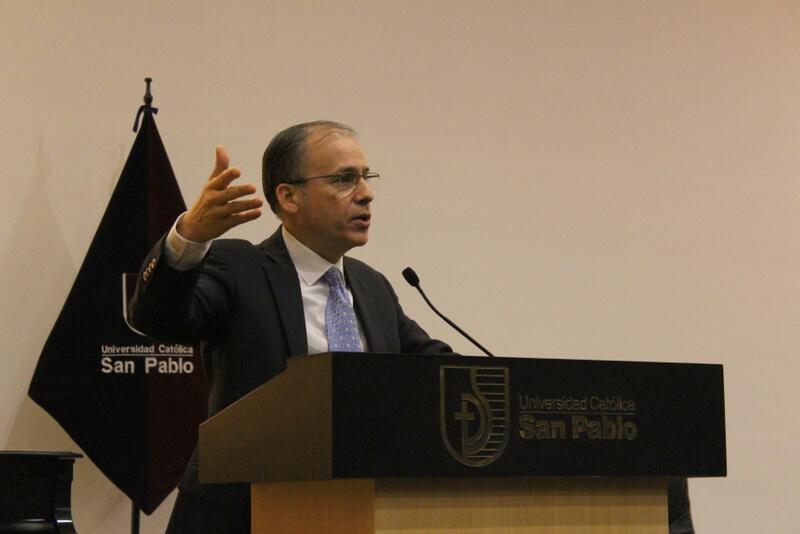 Dr. Max Bonilla