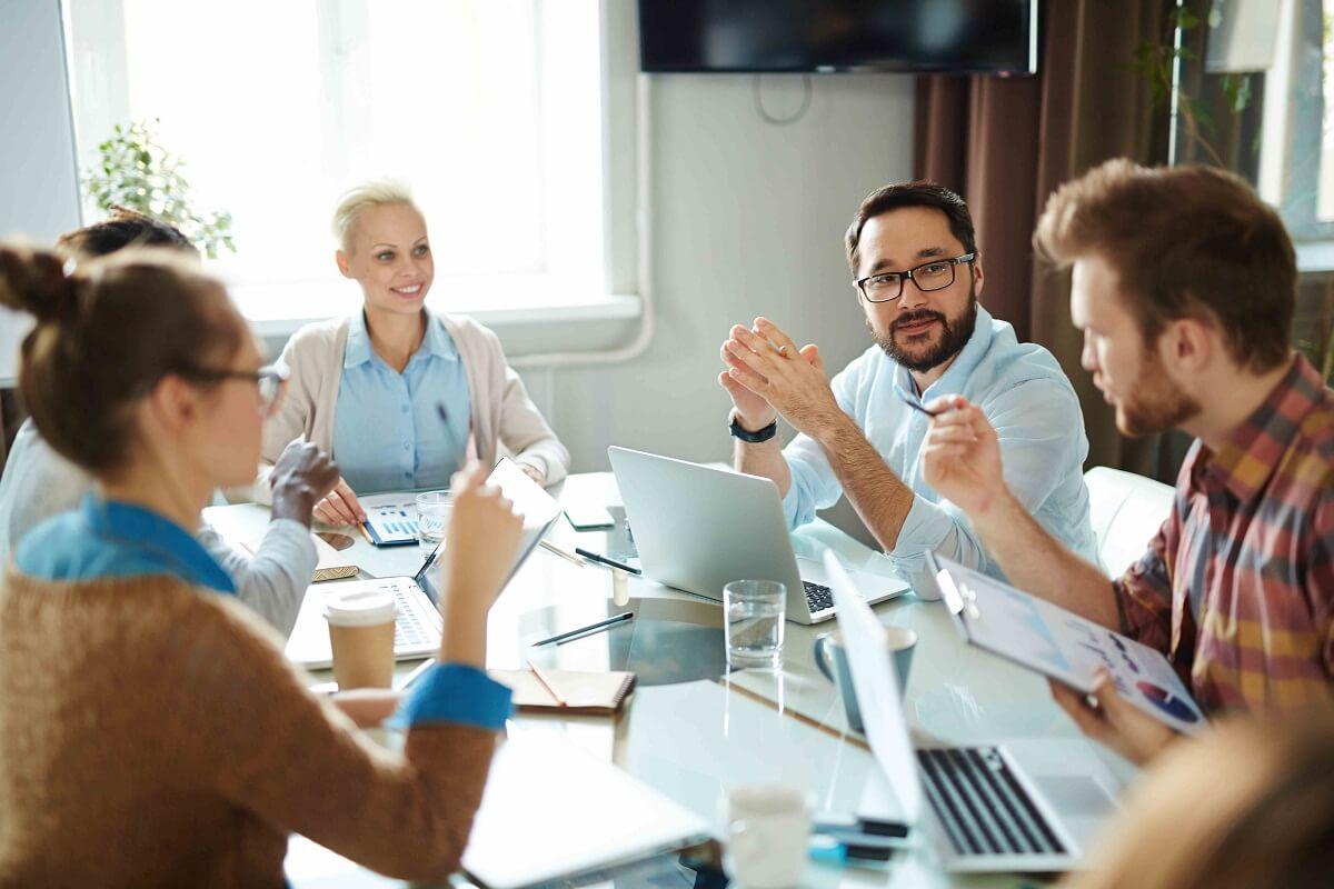 No se trata de gestionar a las personas desde la organización sino con las personas que trabajan dentro de la organización.