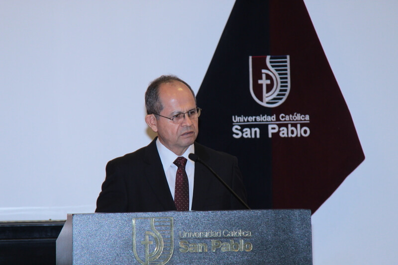 Dr. Germán Chávez, rector de la UCSP.