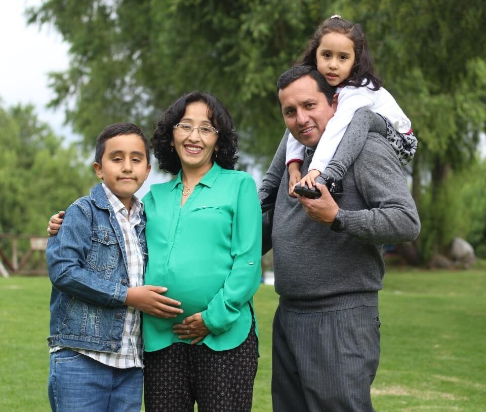 Ana Villanueva y familia