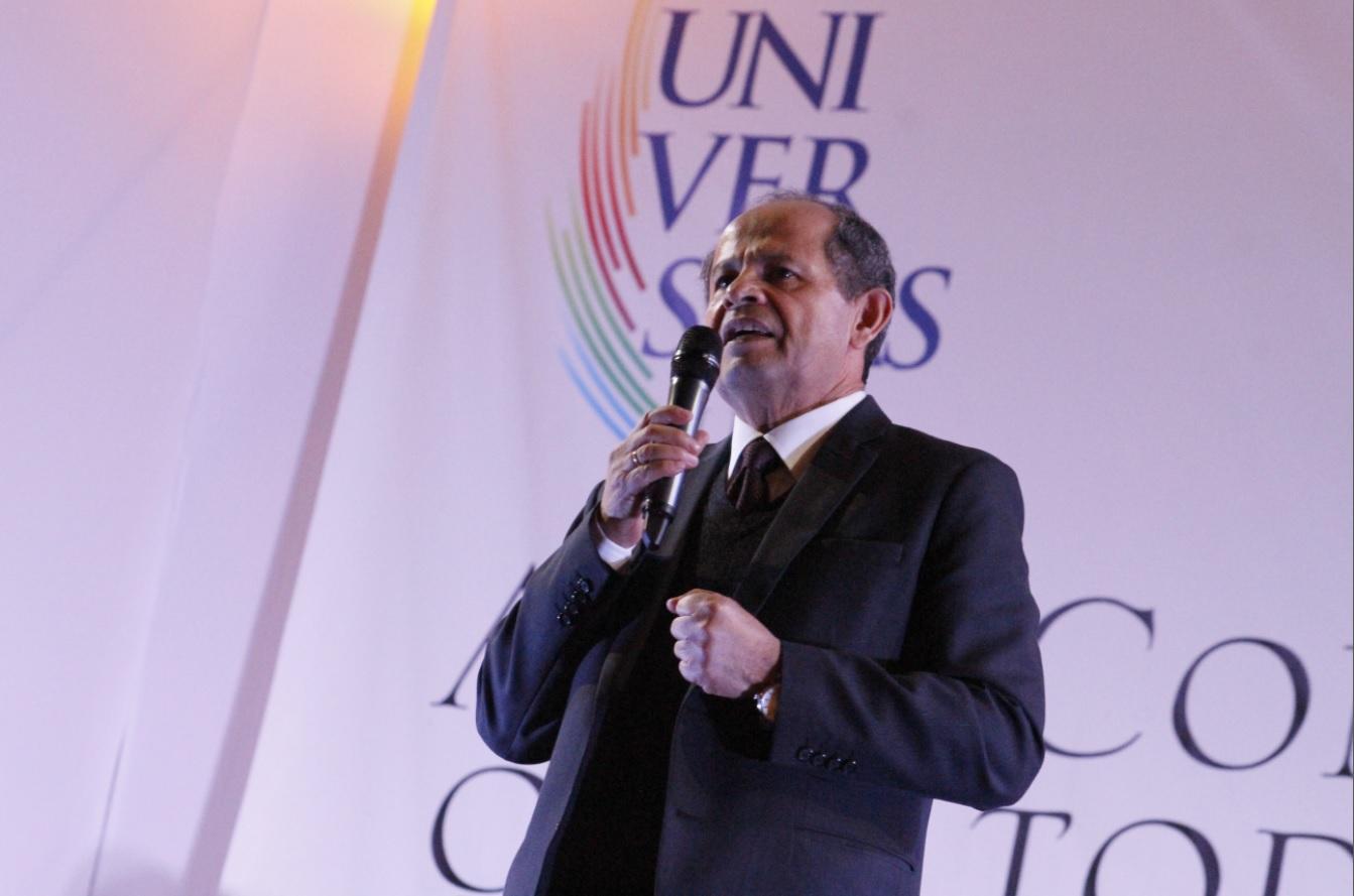Dr. Germán Chávez, rector de la UCSP