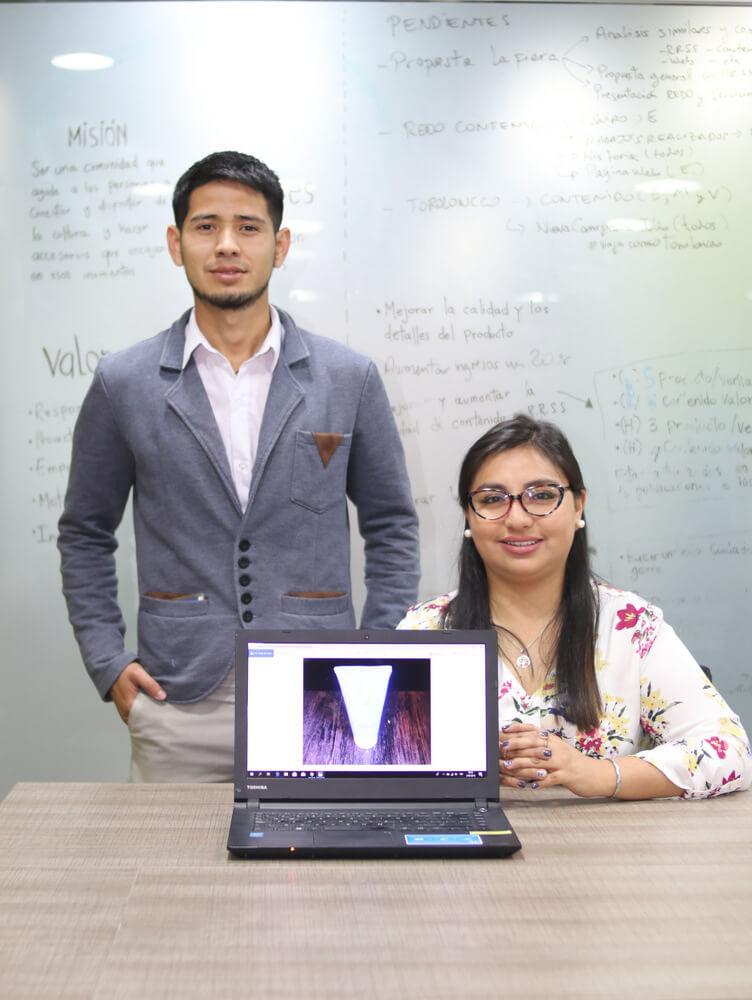 Christian Carnero Canales y Jessica Márquez Cazorla creadores de Nanovida.