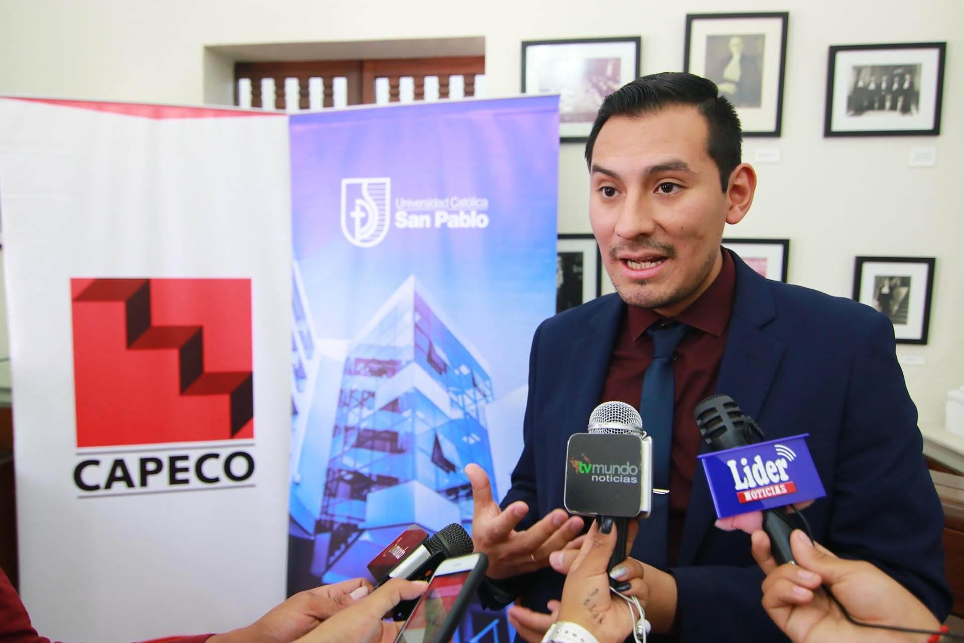 Enrique Simbort CAPECO UCSP