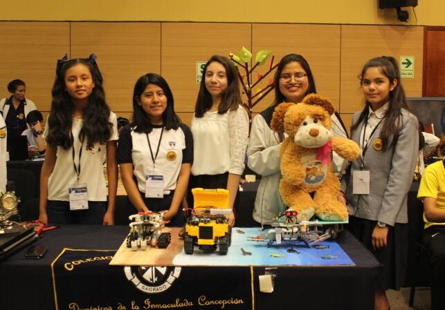 Escolares ganan pase para mundial de Robótica en Francia 2