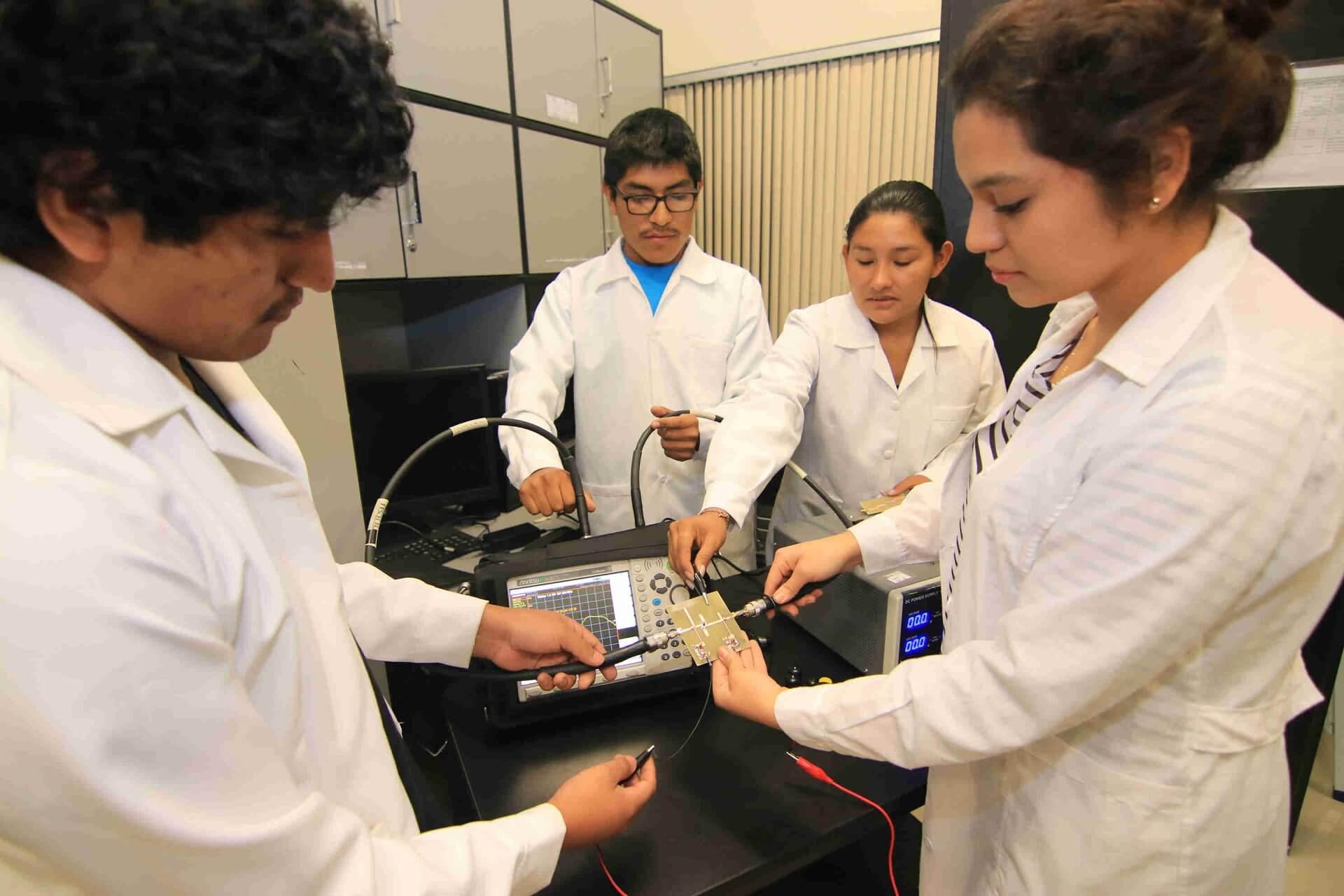 En Arequipa un 24% de las mujeres ha cursado la universidad