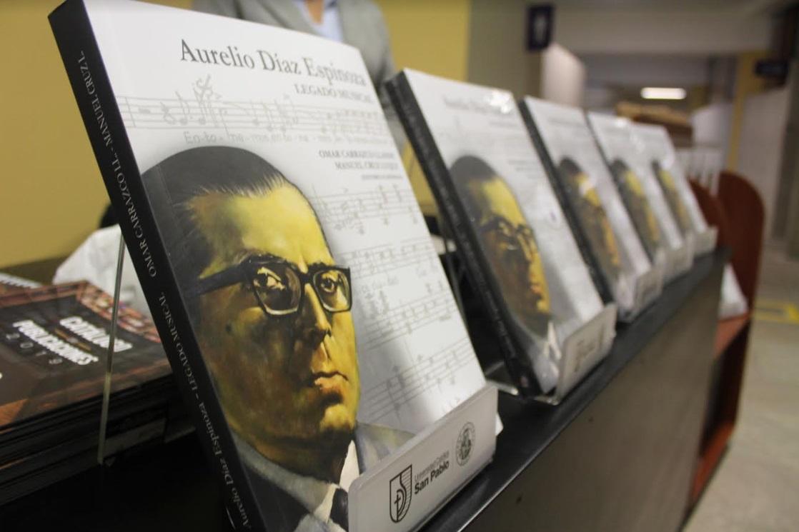 Libro Aurelio Díaz