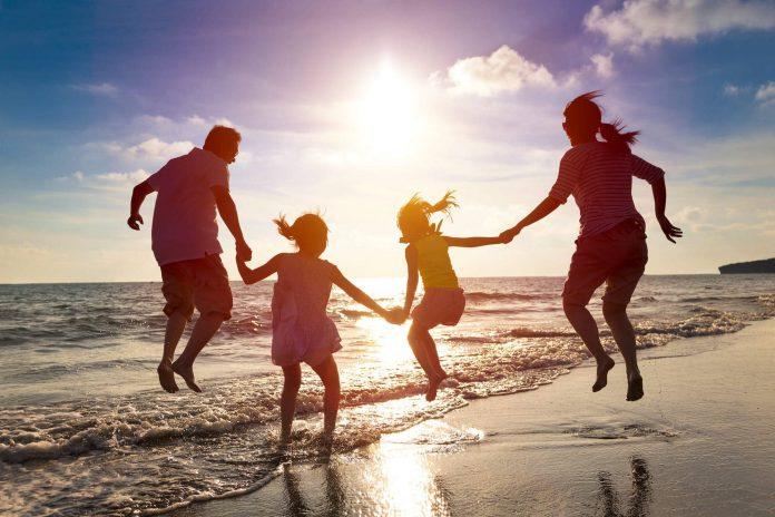 Vacaciones en familia son más importe que los regalos para los niños imagen ilustrativa